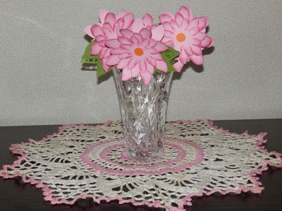 Dasies in a Vase