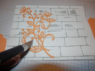 Bendy card cutting slit
